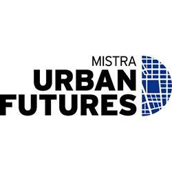 Mistra Urban Futures logga är fördelad på tre rader. Först ordet Mistra i tunna versaler, därefter Urban och Futures på varsin rad, i fetare bokstäver. En halvmåneformad, blå symbol som liknar en stadskarta förbinder de tre orden med varandra på deras högra sida.